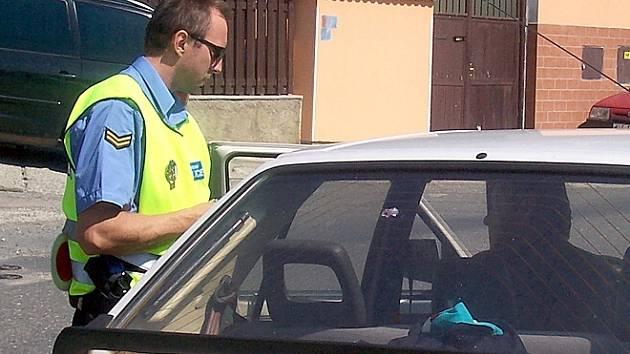 Obecní strážníci v Kolči vybrali za tři měsíce působnosti již 400 tisíc korun