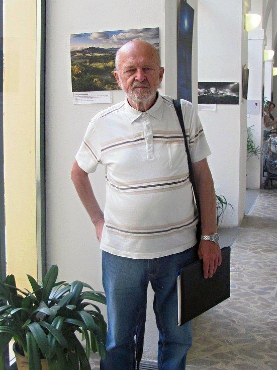 Zakladatel a majitel Malého asijského muzea v Ledcích Jiří Šíma.