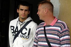 Kladno B - Loko Vltavín Praha 2:2, Jiří Jeslínek se přijel podívat na svého kamaráda v dresu Pražanů. Stanislav Hejkal ho nezlanařil.