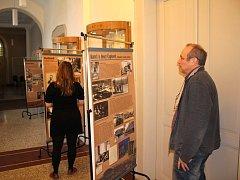 VÝSTAVA ZTRACENÁ GENERACE potrvá v Malé galerii knihovny  v Kladně potrvá do 14. února v otevírací době knihovny.
