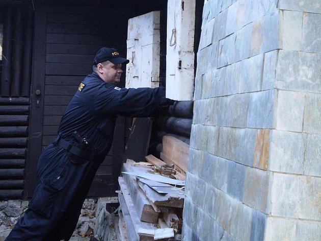 Policisté kontrolovali chatové osady na Unhošťsku.