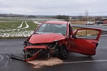 Smrtelná nehoda na silnici z Velvar do Kralup.