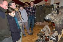 Návštěvníci myslivecké burzy v Žilině obdivovali vypreparované trofeje.