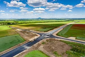 Obchvat silnice od Žižic na Velvary bude hotový do podzimu.