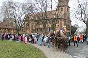 Tříkrálový průvod prošel Kladnem, přilákal stovky lidí.