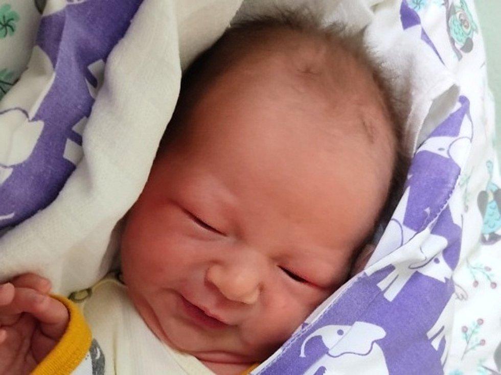 Vincent Hartman. Narodil se v porodnici Slaný 14. prosince 2020. Rodiče jsou Nikola a Kryštof Hartmanovi, sestra Scarlettka.