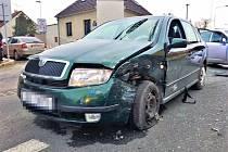 V Kladně se v sobotu srazila dvě auta.