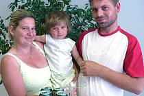 Lenka Schönfelderová ze Slatiny si pro ceny přijela v doprovodu manžela Radka a dcerky Elišky.