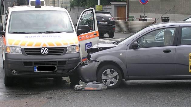 Jedna z nehod se stala přímo v  centru Kladna. Naštěstí se obešla bez zranění.