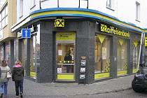Přepadená pobočka Raiffeisen Banky v Kladně.