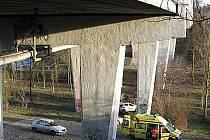 Sítenský most přitahuje sebevrahy.