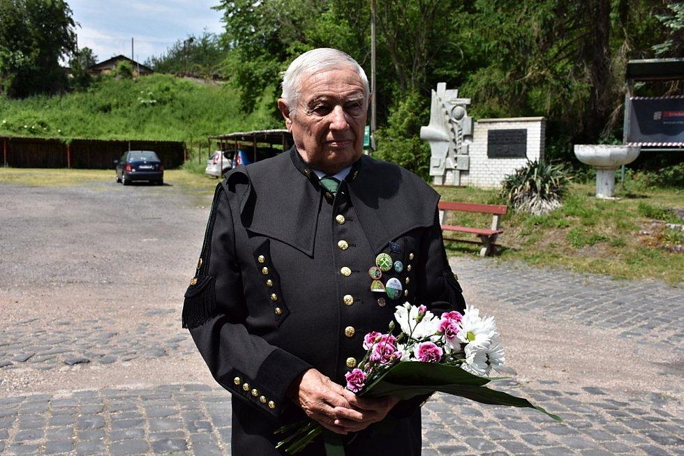 Na Mayrau se poklonili památce zavražděných lidických horníků.