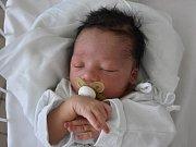 JAYDEN ROLAND, KLADNO. Narodil se 14. dubna 2019. Po porodu vážil 3,29 kg a měřil 48 cm. Rodiče jsou Lea Sýkorová a Uyiosa Roland. (porodnice Kladno)