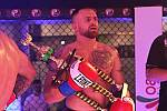 První galavečer MMAsters League® se odehrál v kladenském obchodním centru Oaza. Patrik Kincl.