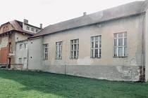 Škola ve Středoklukách.