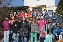 Děti ze Základní školy Vinařice přijely do Slaného speciálně vypraveným autobusem.