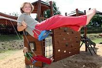 Stejně jako jinde, tak se i děti ve Vašírově dočkají moderního hřiště.