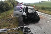 Při nehodě u Brandýska byla vážně zraněna řidička stříbrného volkswagenu