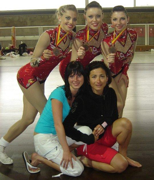 Dancers Kladno, třetí z ME ve španělském Blanes.