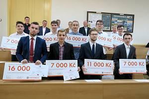 Kladenští studenti sklidili úspěch v soutěži a získali finanční odměnu.
