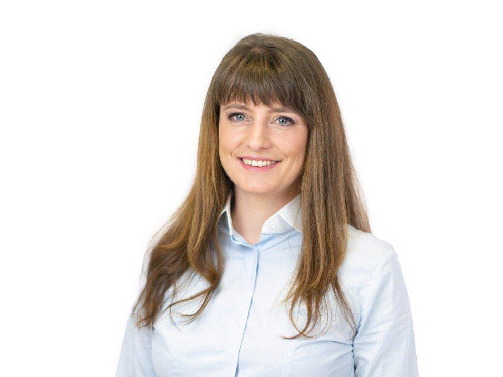Advokátka Adéla Šípová z Kladna (Piráti).