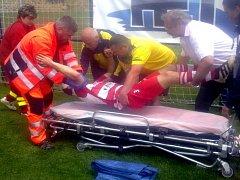 Zraněného Michala Švejdu odvezla záchranka do nemocnice v Litoměřicích.