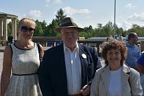 Antonín Nešpor s manželkou (vpravo).