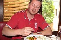 Moderátor Standa Soukup ví, že hubnutí je hlavně o správném a kvalitním jídelníčku a dostatku pohybu. Více se dozvíte na: www.radio-relax.cz