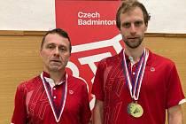 Marek Schoř (vlevo) a Jaroslav Holeček z badmintonového klubu Panteři Kladno.