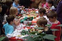 Vánoční jarmark ve škole v Ukrajinské ulici v Kladně.
