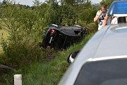 U odbočky na Přelíc havarovalo černé auto značky Volkswagen.