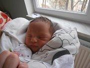 ŠTĚPÁN ČMUGR, SKŮRY. Narodil se 2. dubna 2017. Váha 3,42 kg, míra 50 cm. Rodiče jsou Zdeňka a Marek Čmugrovi (porodnice Slaný).