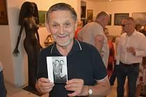 Ze zahájení výstavy obrazů Vladimíra Jelínka v Galerii Ikaros.