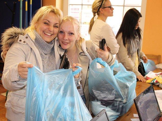 6. svárovská charitativní burza dětského a dámského oblečení