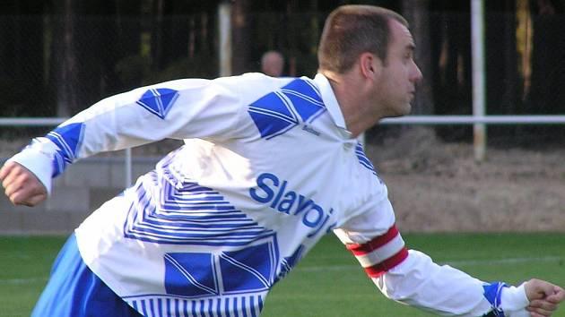 Do sítě Mutějovic se netrefil ani Jiří Kosora, jeho Slavoj Kladno sestupuje.