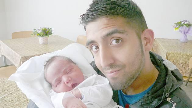 Santiago Stojka, Kladno. Narodil se 17. srpna 2014. Váha 4,25 kg, míra 50 cm. Rodiče jsou Sabrina  a Patrik Stojkovi (porodnice Kladno).