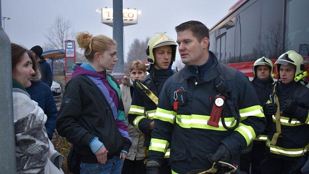 Požár paneláku v Americké ulici v Kladně 25. ledna 2020