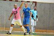 Malibu Mladá Boleslav (v růžovém) porazilo doma v poháru SK Kladno 5:3.
