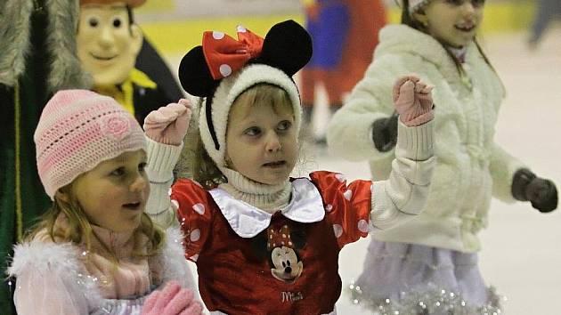 Vánoce na ledě uspořádalo PZ Kraso pro děti již pošesté - Kladno 17. 12. 2011