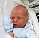 ŠIMON BAUŠ, KLADNO. Narodil se 2. května 2017. Váha 3,05 kg, míra 48 cm. Rodiče jsou Lenka Baušová a Martin Bauš (porodnice Kladno).
