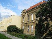 Školní jídelna ve Smečně má vzniknout přístavbou stávající školy Na Boku.