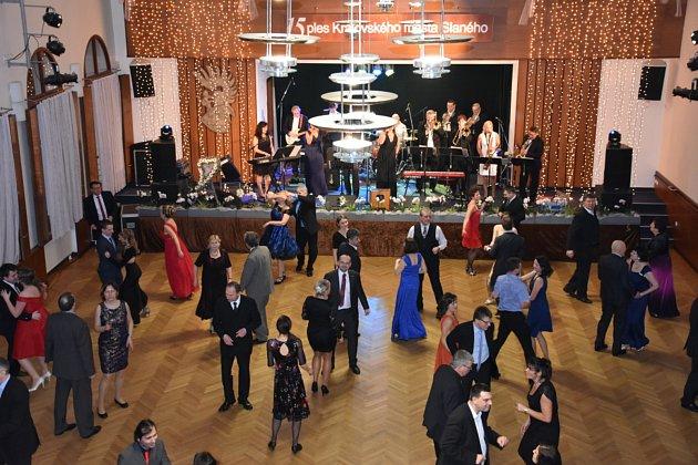 Jubilejní 15. ples Královského města Slaného se konal v Městském centru Grand.