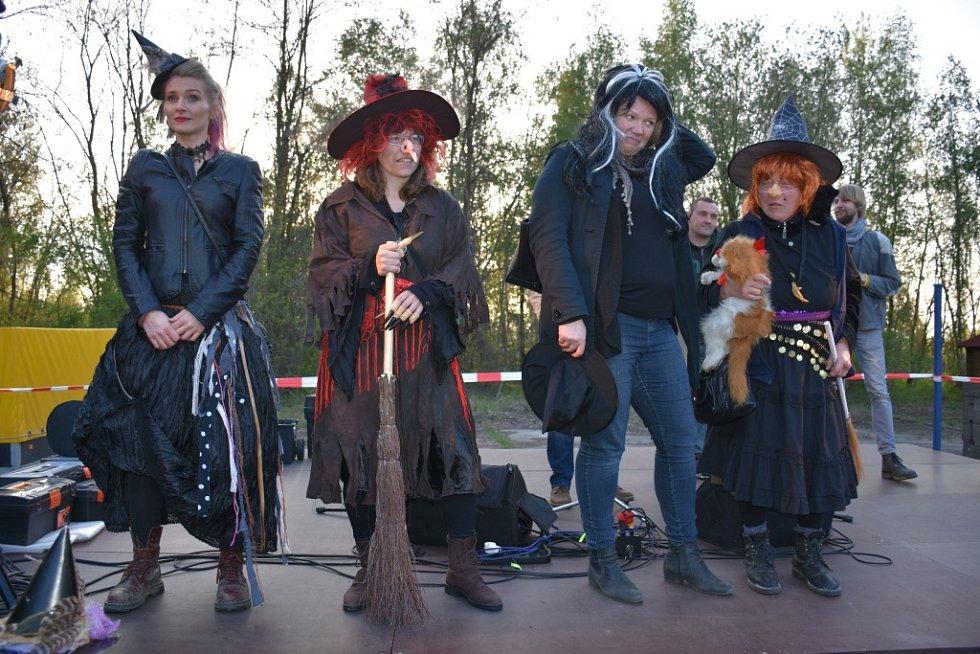 Čarodějnice na Mayrau.