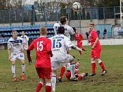 Kladno (v bílém) porazilo Štětí až po penaltách.
