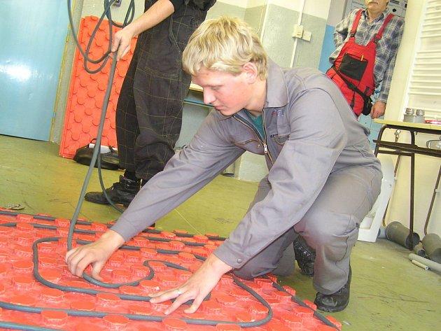 Učňové třetího ročníku, Martin Mirwald a Jan Hlusička, se v celorepublikovém kole soutěže instalatérů umístili jako první.