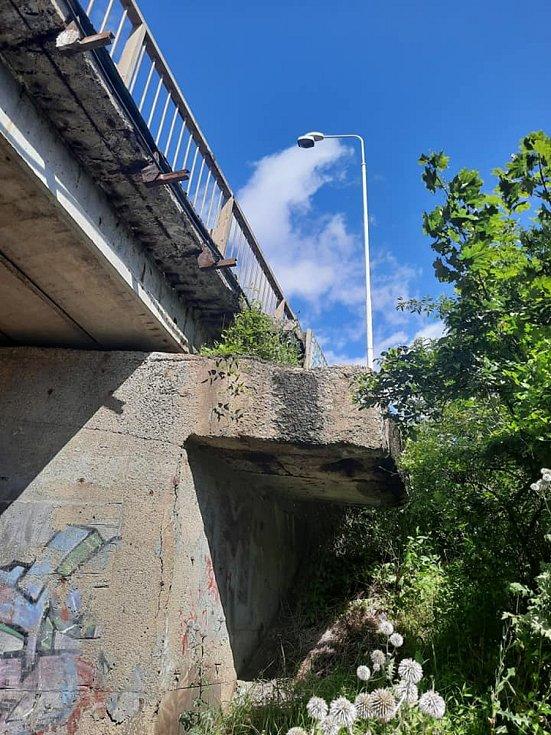 Oprava mostu v Kladně.