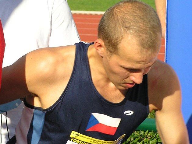Michal Michalík startoval do poslední disciplíny z prvního místa, ale nakonec doběhl třetí.