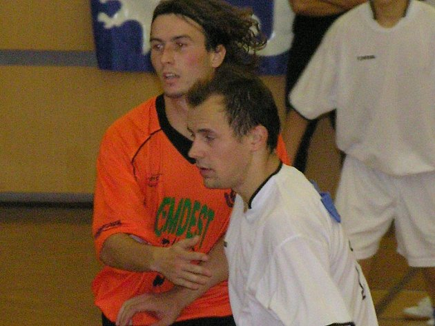 Gól v pátek n edal, ale dobrým výkonec první výhře Kladna Martin Fitko (vpravo) přispěl.