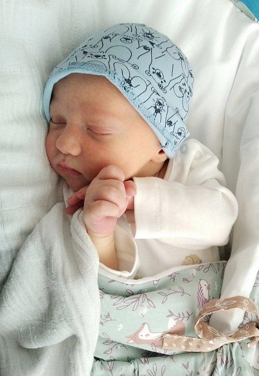 Petr Špaček se narodil 6. února 2021 v benešovské porodnici. Po porodu vážil 3440 g a měřil 51 cm. S rodiči Sabinou Linhartovou a Miroslavem Špačkem bude bydlet v části Olbramovic – Olbramovice Ves.