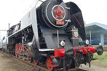 CESTUJÍCÍ pojedou na Řipskou pouť a do Železničního muzea ve Zlonicích soupravou taženou parní lokomotivou Šlechtična.